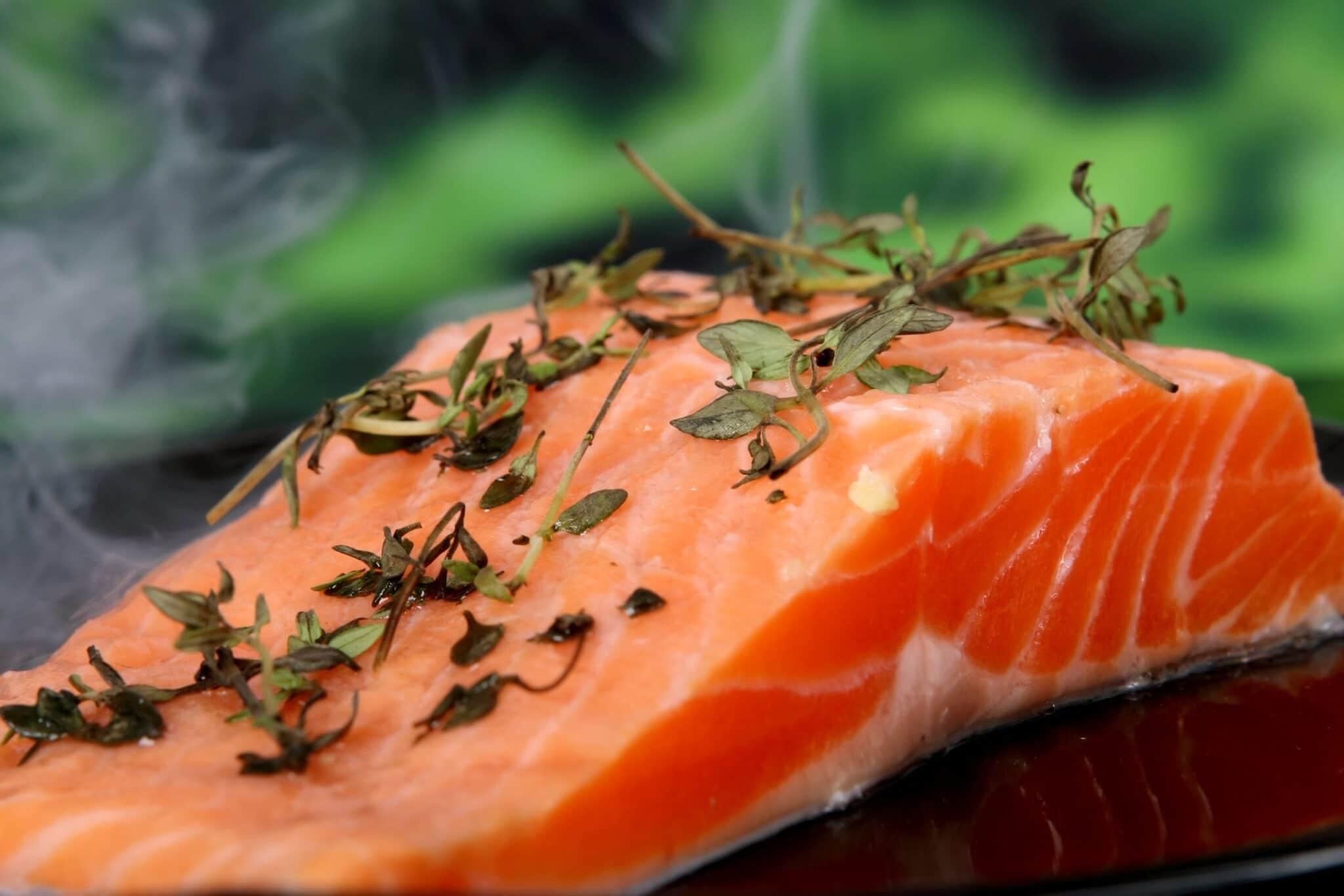 Kwasy omega-3 i omega-6. Działanie i źródła w diecie.