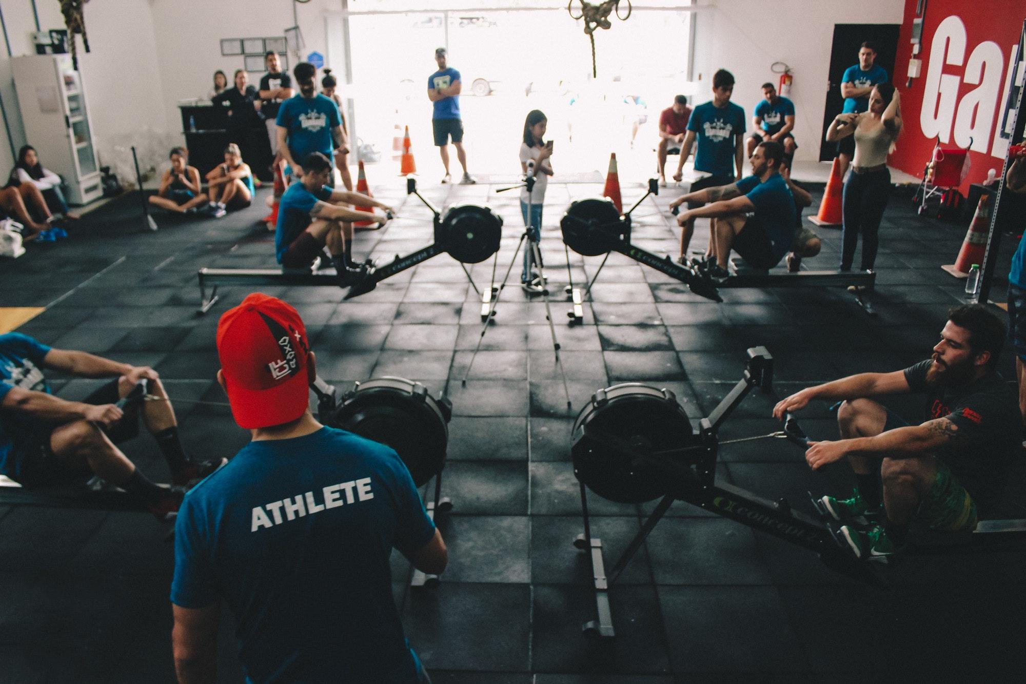 Trener personalny a instruktor siłowni – różnice.