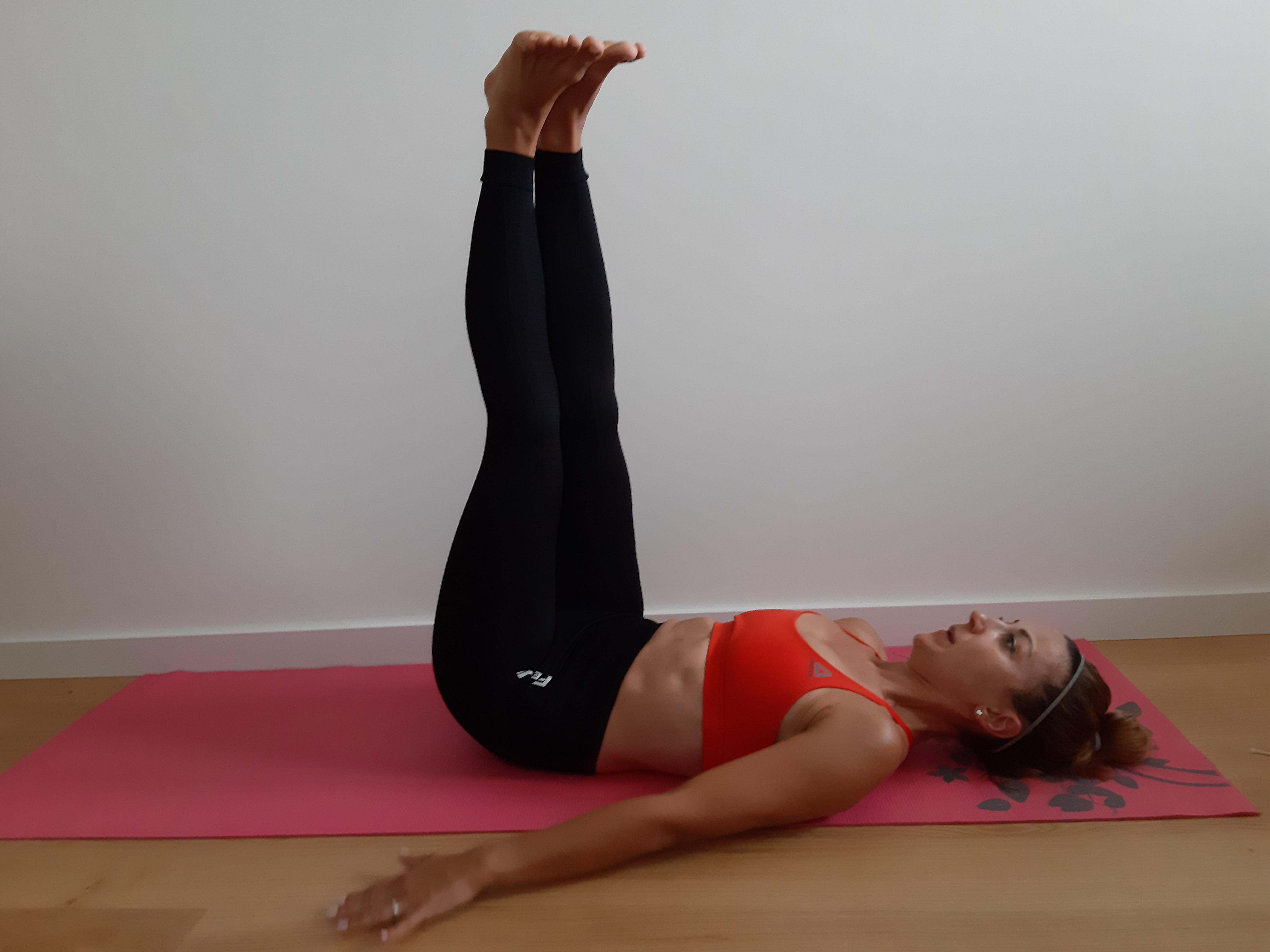 ćwiczenie na mięśnie brzucha unoszenie bioder