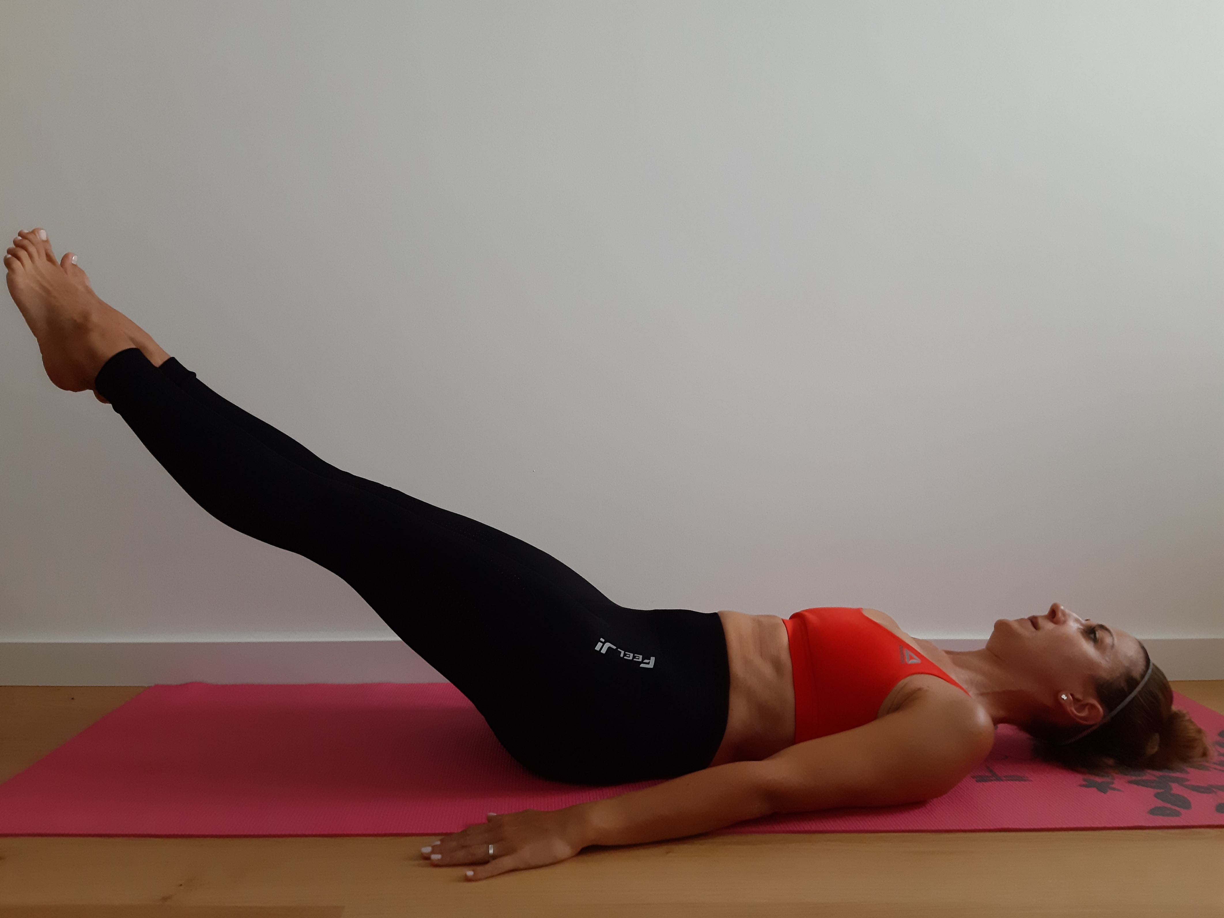 ćwiczenia mięśni brzucha opuszczanie nóg