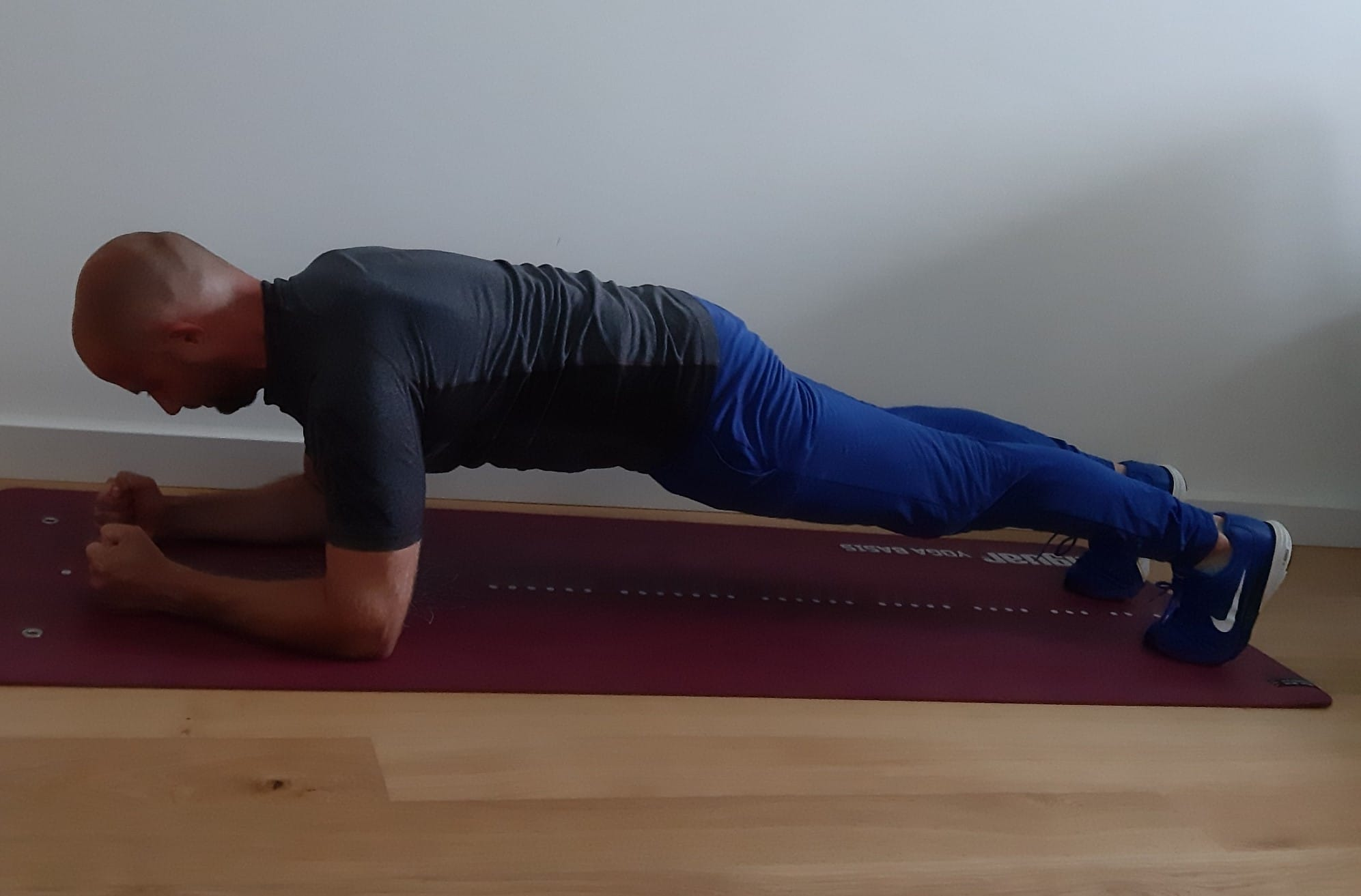 trening w domu plank